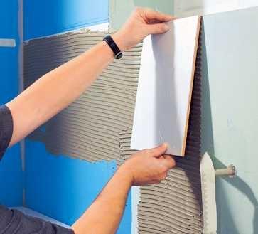 Как проводится облицовка стен плиткой